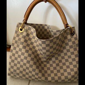 Authentic Louis Vuitton Artsy